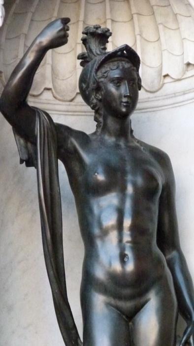 Cellini's Perseus & Medusa Minerva 3