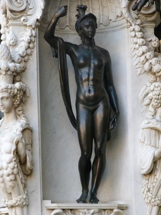 Cellini's Perseus & Medusa Minerva 5