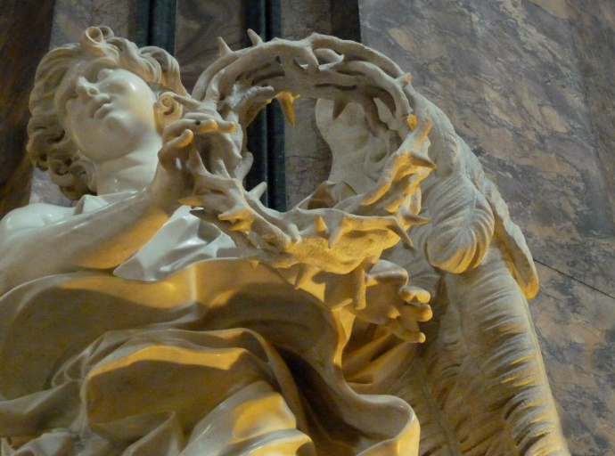 Angel with the Crown of Thorns (bernini) 03