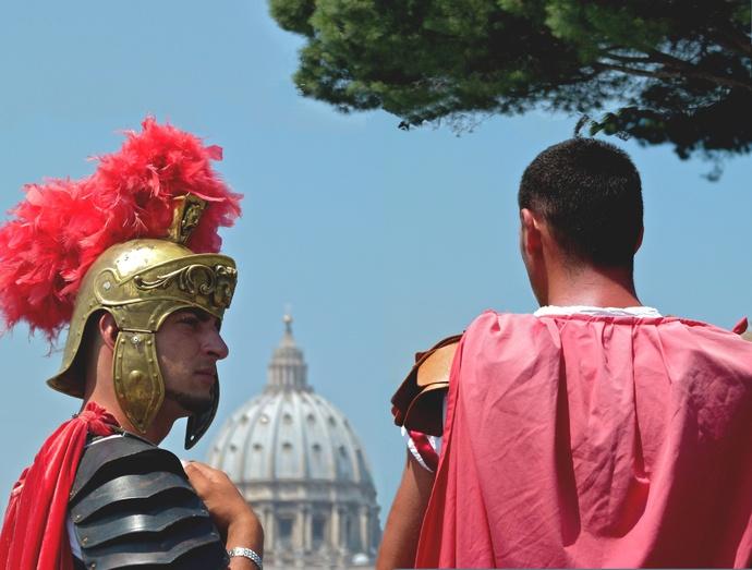 Roma 100bc 2011ad 01