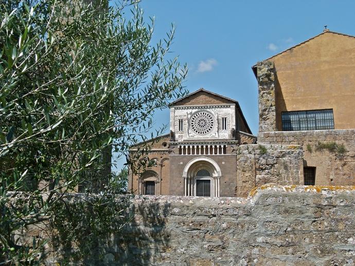 San Pietro Tuscania 01