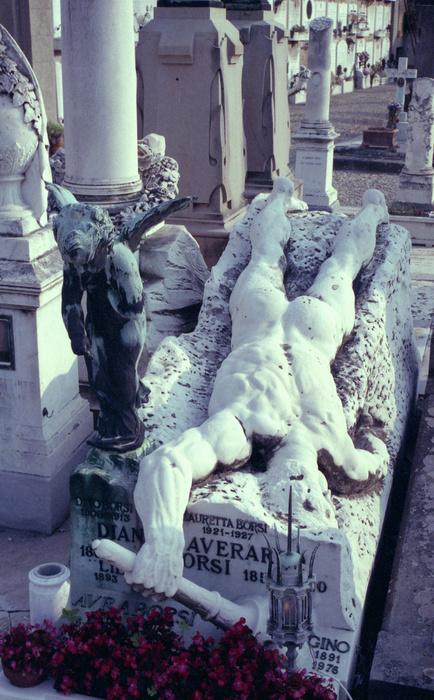 Tomb Verado 02