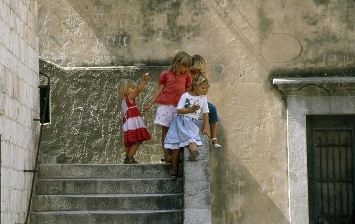Children Split
