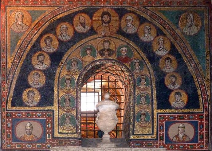 Entrance st Zeno Chapel Santa Prassede 22