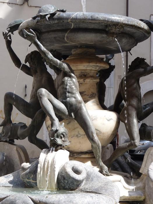 Fontana Delle Tatarughe 19