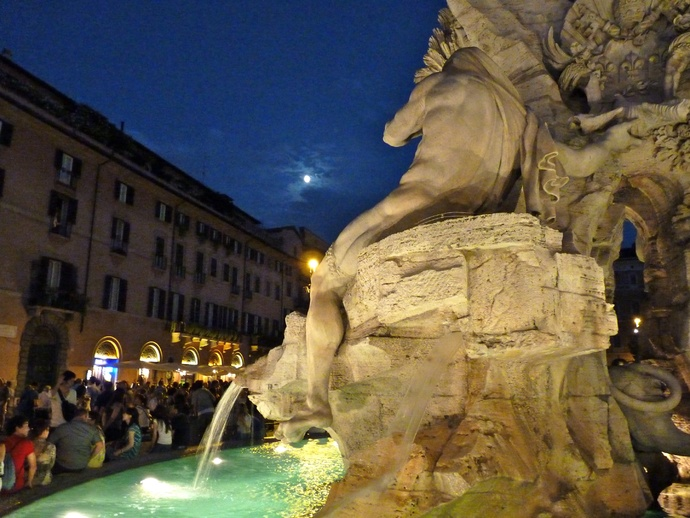 Fountain of the Four Rivers Bernini Notte 3