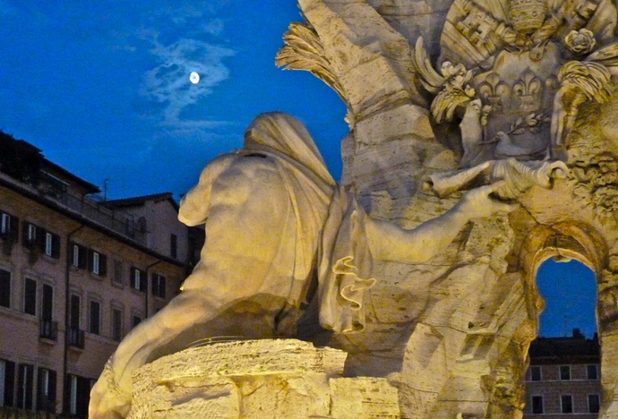 Fountain of the Four Rivers Bernini Notte 5