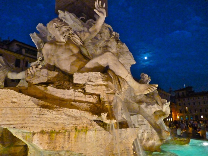 Fountain of the Four Rivers Bernini Notte 6
