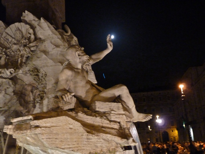 Fountain of the Four Rivers Bernini Notte 7