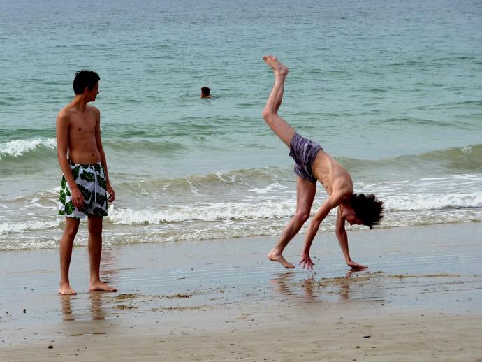 Gymnasts Plage du Sillon