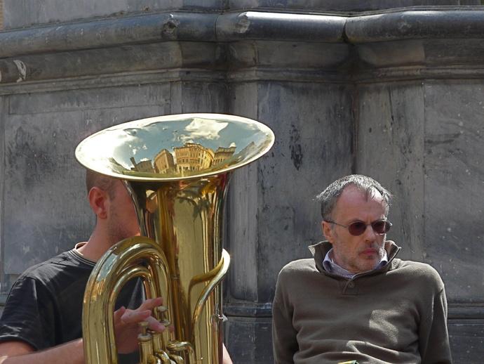 Piazza Santa Maria in Trastevere 12