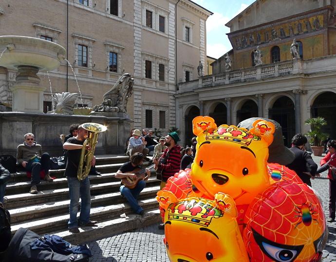 Piazza Santa Maria in Trastevere 6