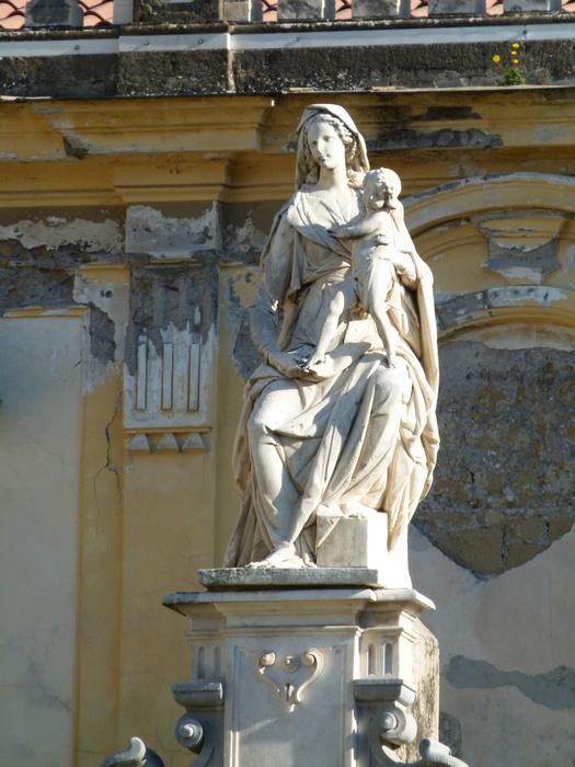 Chiostro Grande Madonna 2