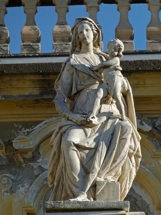 Chiostro Grande Madonna 8