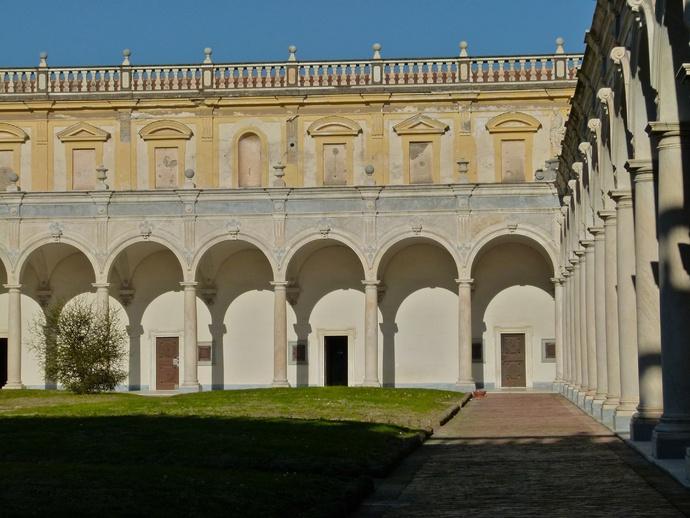 Cosimo Fanzago Chiostro Grande 4