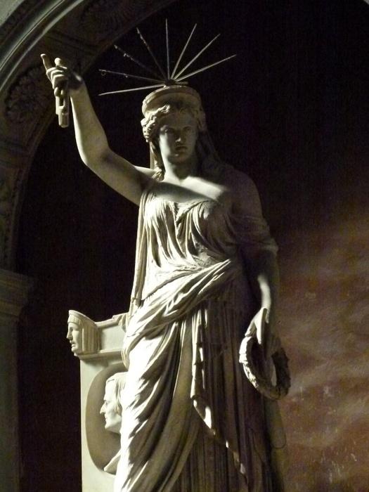 Statue of Liberty\\\'s Pretty Sister Nicolini 3