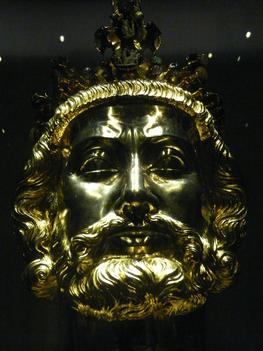 Charlemagne Reliquary Treasury Aachen Cathedral 30