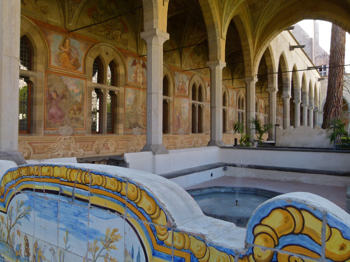 Chiostro di Santa Chiara 104