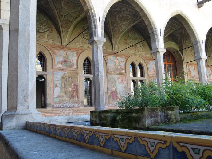 Chiostro di Santa Chiara 12