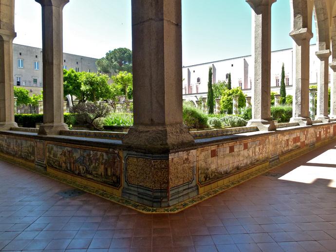 Chiostro di Santa Chiara 130