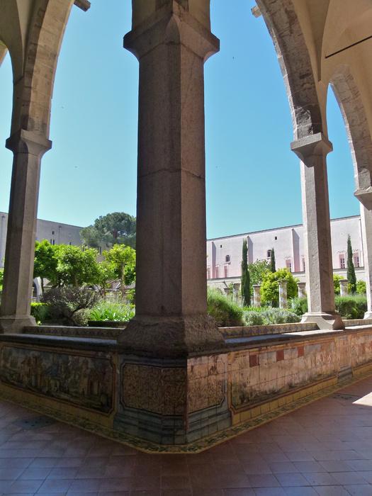 Chiostro di Santa Chiara 131