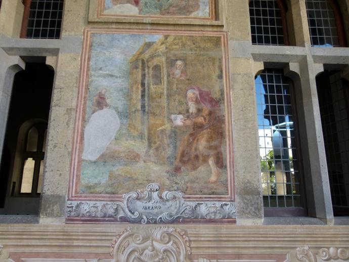 Chiostro di Santa Chiara 18