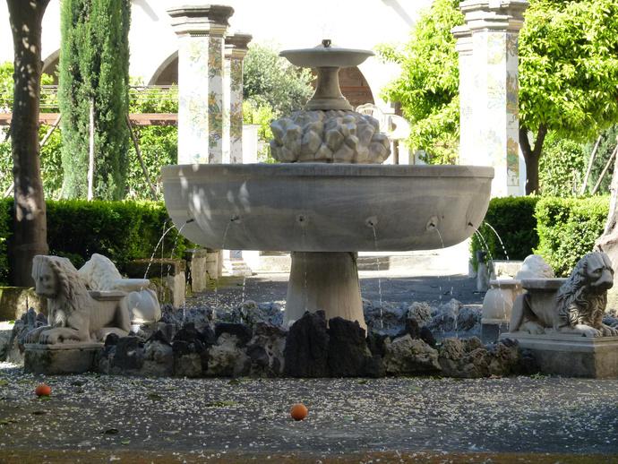 Chiostro di Santa Chiara 4