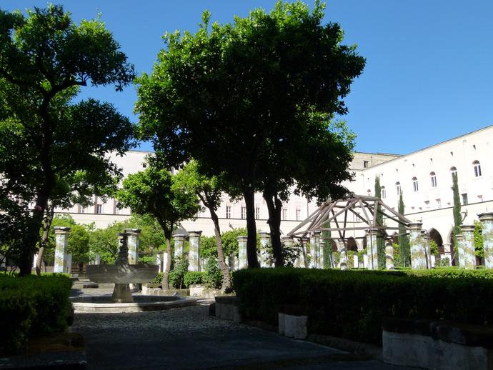 Chiostro di Santa Chiara 9