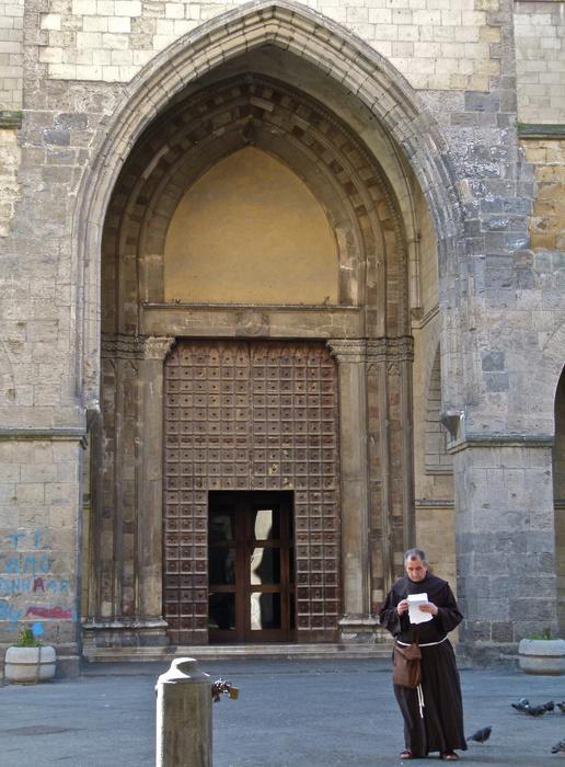 Chiostro di Santa Chiara Entrada 3